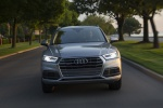 Picture of a driving 2019 Audi Q5 quattro in Florett Silver Metallic from a frontal perspective