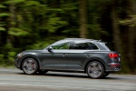 Picture of a driving 2019 Audi SQ5 quattro in Daytona Gray Pearl Effect from a side perspective