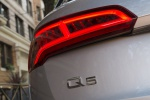 Picture of a 2020 Audi Q5 45 TFSI quattro's Tail Light