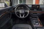 Picture of a 2020 Audi Q5 45 TFSI quattro's Cockpit