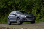 Picture of a driving 2020 Audi SQ5 quattro in Daytona Gray Pearl Effect from a front right perspective