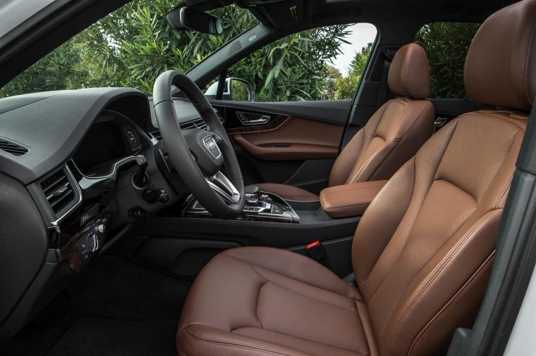 2018 Audi Q7 3.0T quattro Front Seats Picture