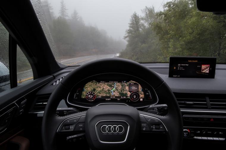 2018 Audi Q7 3.0T quattro Cockpit Picture