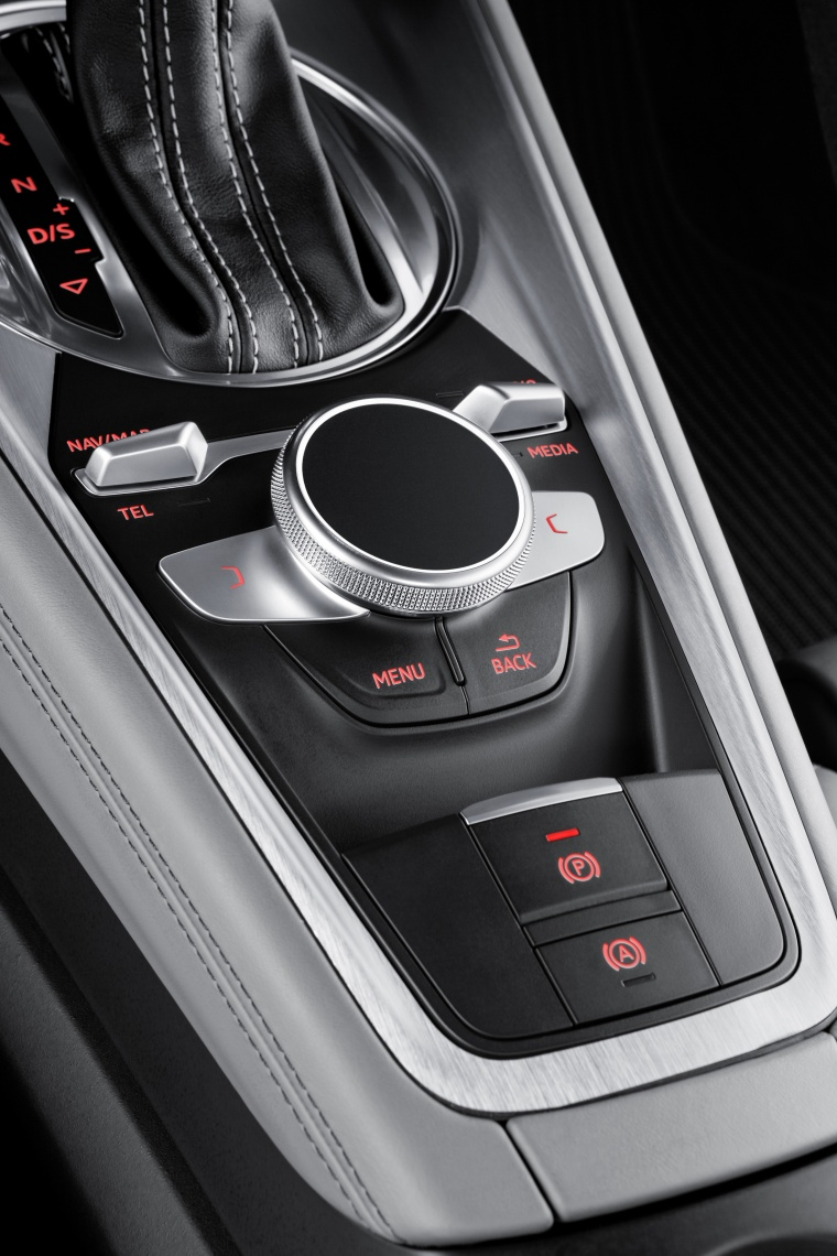 2018 Audi TTS Coupe Center Console Picture