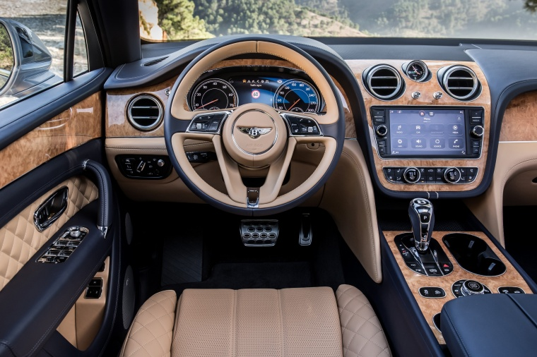 2018 Bentley Bentayga Cockpit Picture