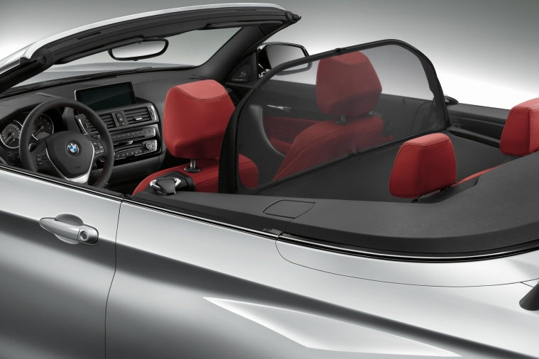2017 BMW 2-Series Convertible Wind Deflector Picture