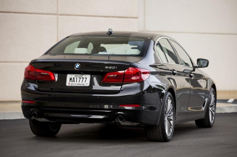 2018 BMW 530i Sedan Picture
