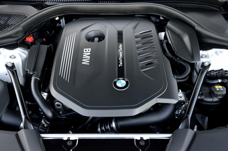 2018 BMW 540i Sedan 3.0-liter 6-cylinder turbocharged Engine