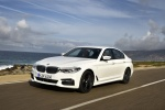 2018 BMW 540i Sedan in Alpine White - Driving Front Left Three-quarter View