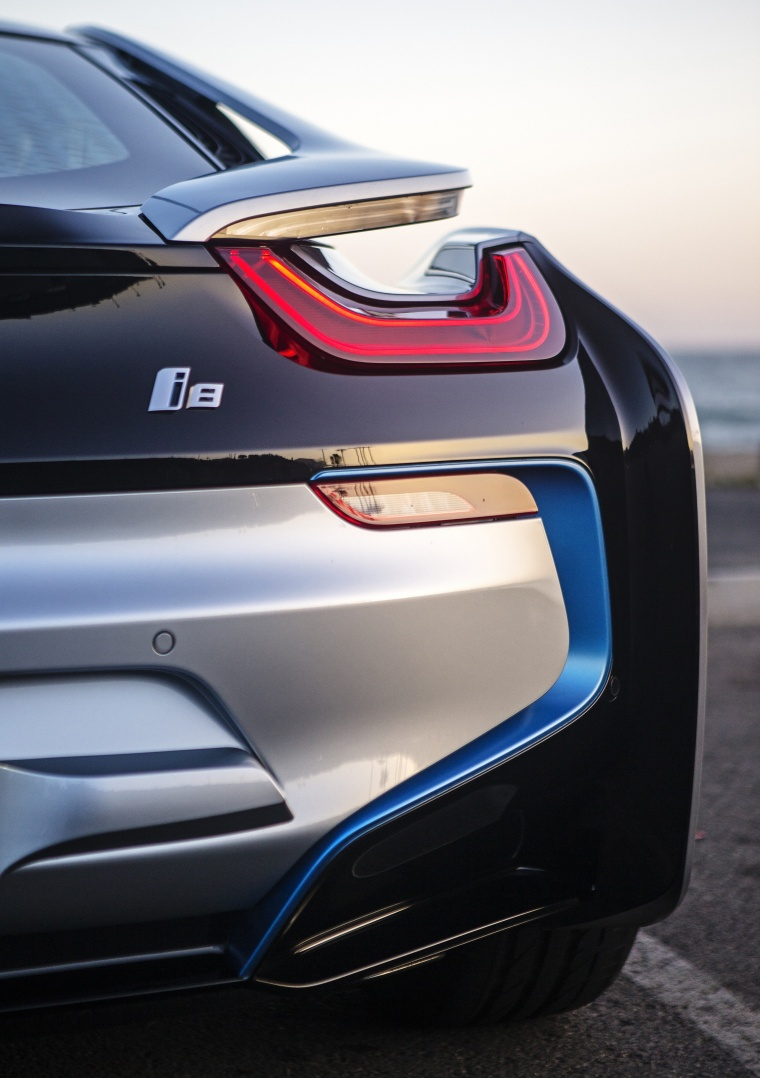 2016 Bmw I8 Coupe Tail Light Picture Image
