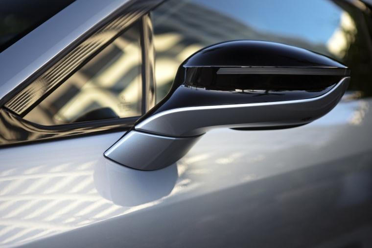 2017 BMW i8 Coupe Door Mirror Picture