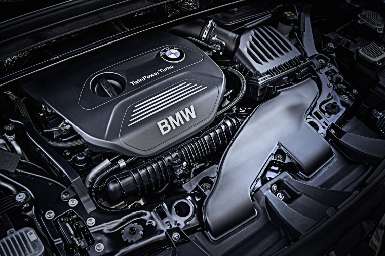 Picture of a 2019 BMW X1 xDrive28i's 2.0-liter 4-cylinder turbocharged Engine