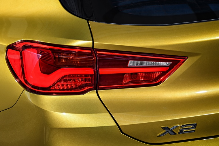 2018 BMW X2 Tail Light Picture