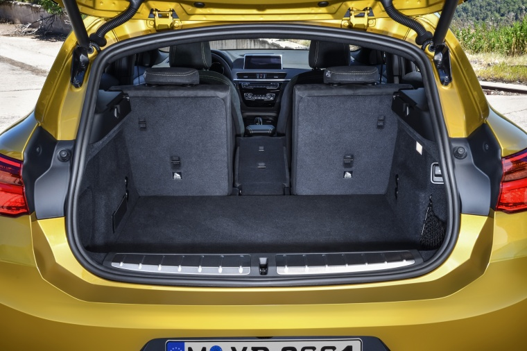 2018 BMW X2 Trunk Picture