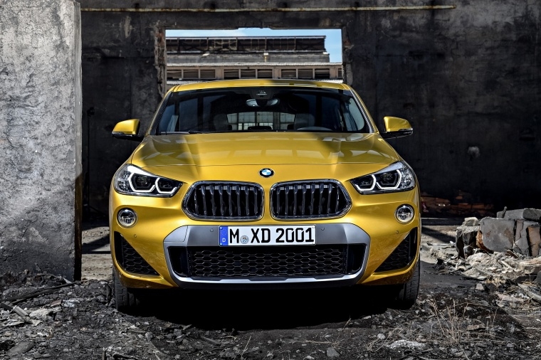 2018 BMW X2 in Galvanic Gold Metallic from a frontal view