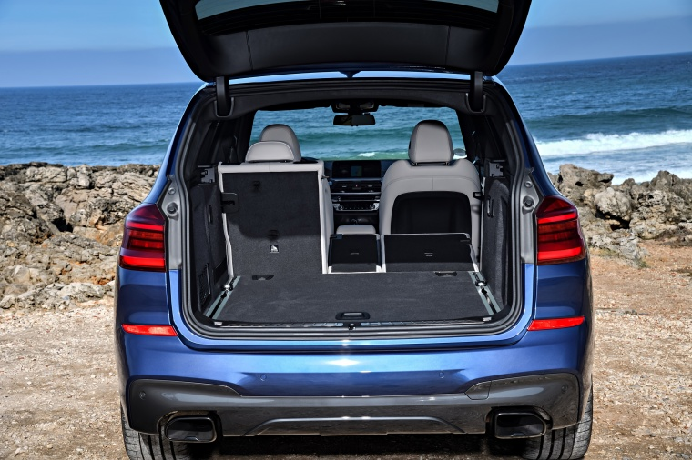 2018 BMW X3 M40i Trunk Picture