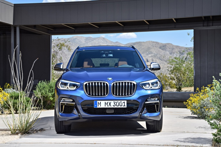 Picture of a 2020 BMW X3 M40i in Phytonic Blue Metallic from a frontal perspective