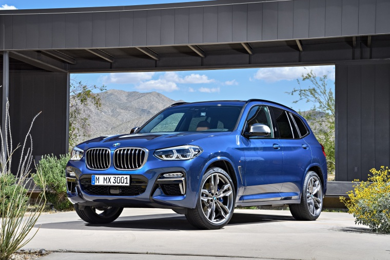 Picture of a 2020 BMW X3 M40i in Phytonic Blue Metallic from a front left three-quarter perspective