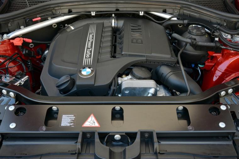 2017 BMW X4 3.0-liter Inline-6 turbocharged Engine Picture