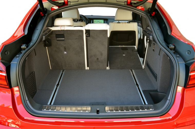 2017 BMW X4 Trunk Picture