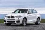 2017 BMW X4 M40i in Mineral White Metallic - Static Front Left Three-quarter View