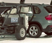 2010 BMW X5 IIHS Side Impact Crash Test Picture