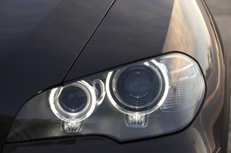 2011 BMW X5 xDrive50i Headlight Picture