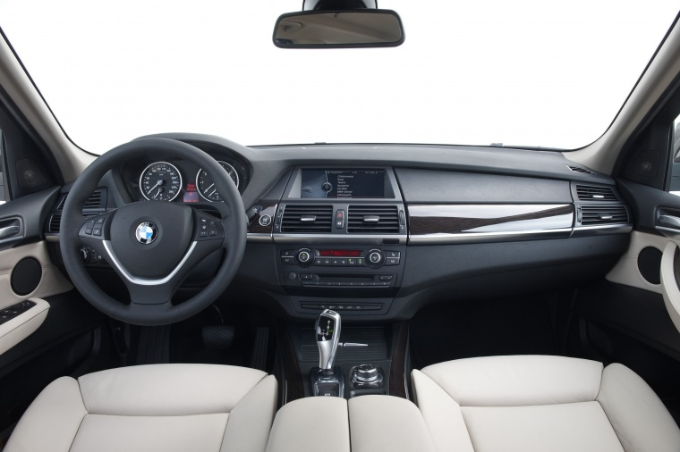 2011 BMW X5 xDrive50i Cockpit Picture