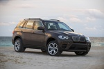 2013 BMW X5 xDrive50i in Sparkling Bronze Metallic - Static Front Right Three-quarter View