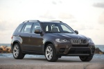 2013 BMW X5 xDrive50i in Sparkling Bronze Metallic - Static Front Right View