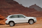 2014 BMW X5 xDrive35d in Alpine White - Static Right Side View