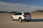 2014 BMW X5 xDrive35d in Alpine White - Static Rear Left Three-quarter View