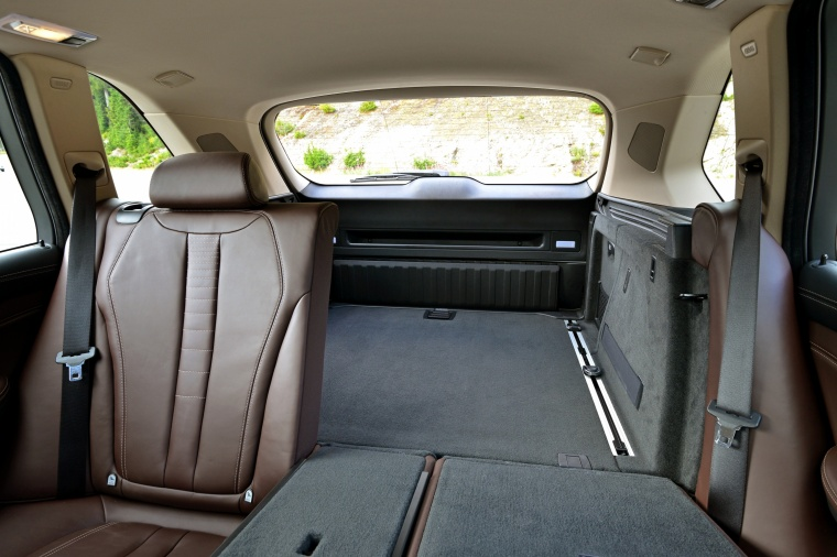 2017 BMW X5 xDrive50i Rear Seats Folded
