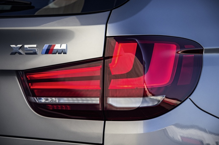2017 BMW X5 M Tail Light Picture