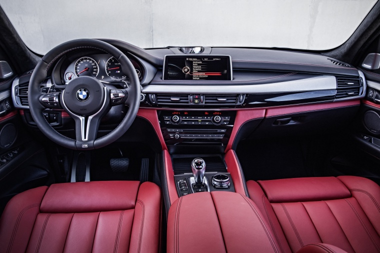 2017 BMW X5 M Cockpit Picture