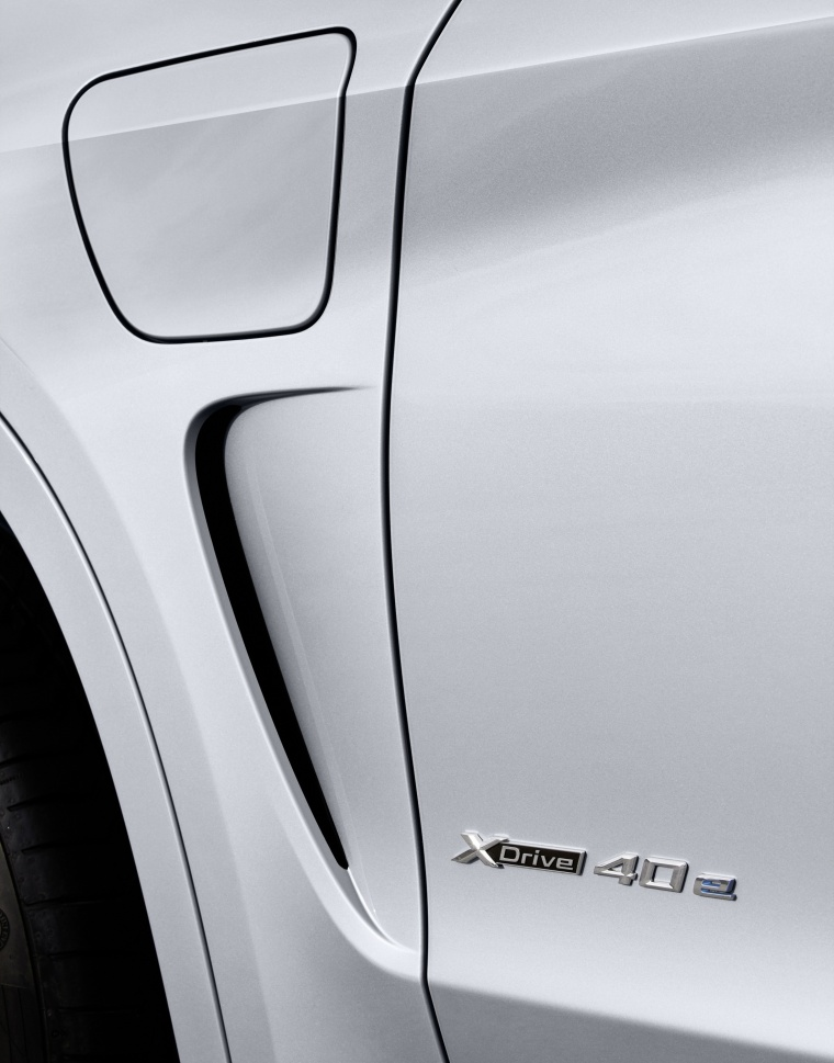 2017 BMW X5 xDrive40e Air Vent Picture