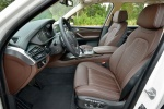 Picture of a 2018 BMW X5 xDrive50i's Front Seats