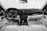 Picture of a 2018 BMW X5 xDrive40e's Cockpit