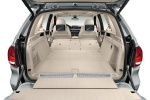 Picture of a 2018 BMW X5 xDrive40e's Trunk