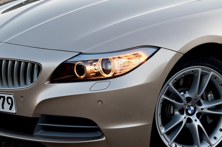 2012 BMW Z4 sdrive35i Headlight Picture