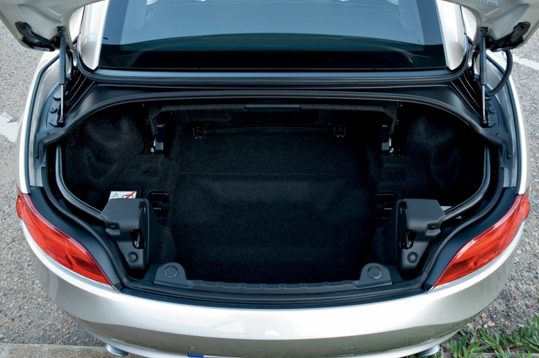 2012 BMW Z4 sdrive35i Trunk Picture