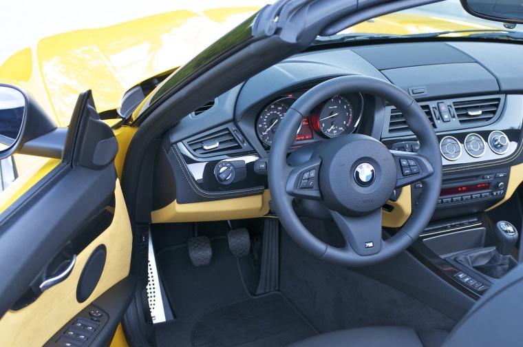2012 BMW Z4 sdrive28i Cockpit Picture
