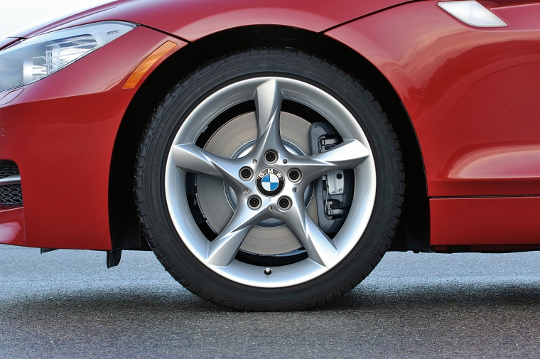 2014 BMW Z4 sdrive35is Rim Picture