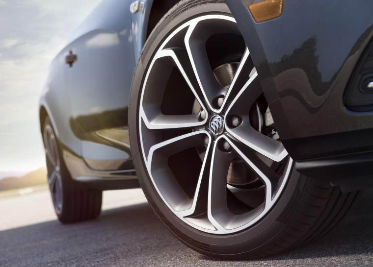 2016 Buick Cascada Convertible Rim Picture