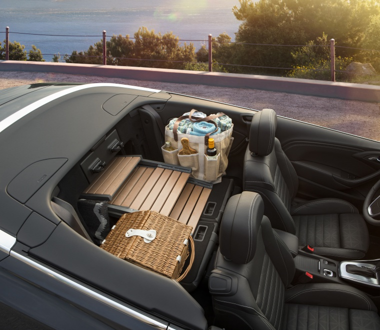 2017 Buick Cascada Convertible Interior Picture