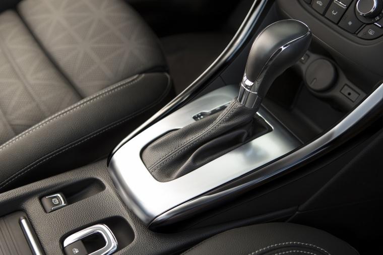 2017 Buick Cascada Convertible Gear Lever Picture