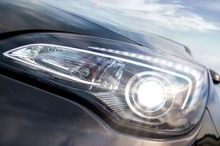 2017 Buick Cascada Convertible Headlight Picture