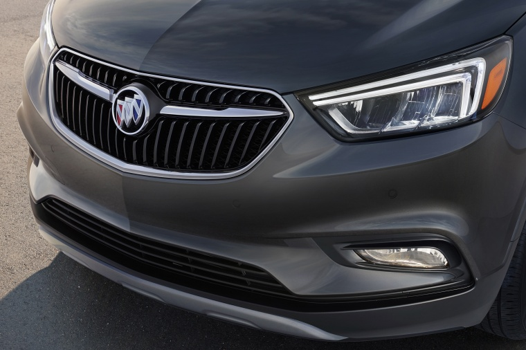2018 Buick Encore Headlight Picture