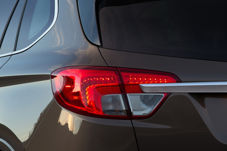 2017 Buick Envision AWD Tail Light Picture