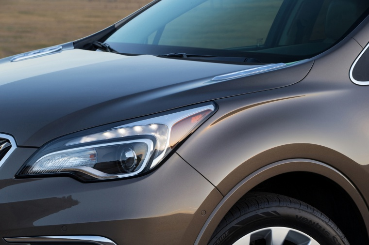 2017 Buick Envision AWD Headlight Picture
